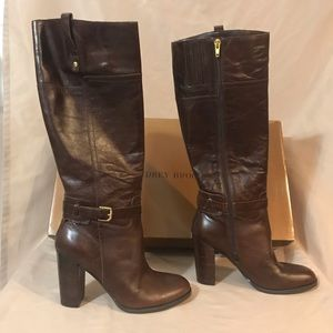 Audrey Brooke size 8 Abkylei boot brown